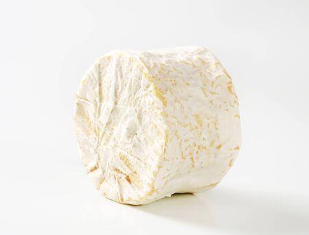 penicillium: French soft cheese with white Penicillium candidum rind