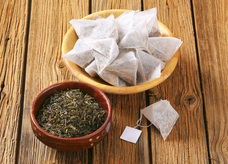 sachets: Jasmine Green Tea in pyramid tea bags Stock Photo