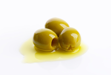 pitted: Pitted green olives in oil