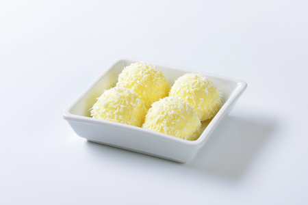 snowball: White Chocolate Coconut Snowball Truffles