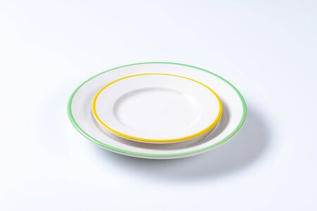 side plate: Dinner plate and side plate with colored edges