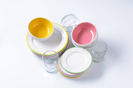 side plate: Dinner set consisting of deep bowls, dinner plates, side plates and glasses
