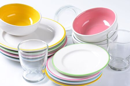 colorful: Dinner set consisting of deep bowls, dinner plates, side plates and glasses