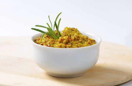 coarse: Bowl of coarse grain mustard