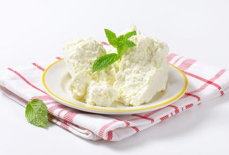 queso blanco: Queso blanco Crumbly en la placa