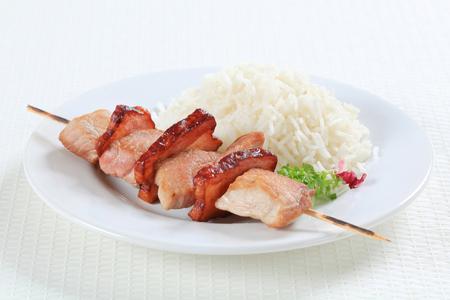 riso bianco: Spiedo del porco con riso bianco