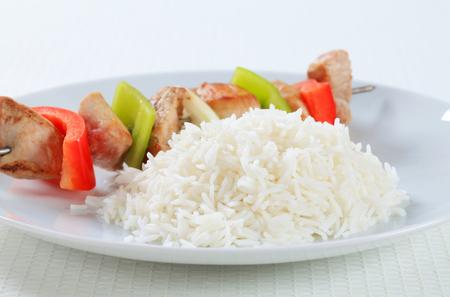 riso bianco: Shish kebab con riso bianco Archivio Fotografico