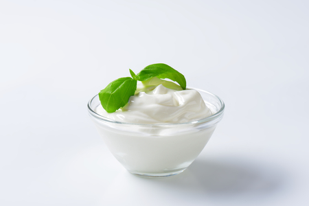 blanc: fromage blanc in a glass bowl