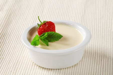 panna: Panna cotta served in a small dish Stock Photo