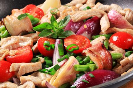 stir fry: Chicken and vegetable stir fry