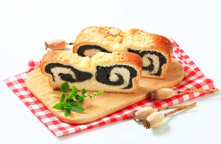 crumb: Poppy seed roll with crumb topping