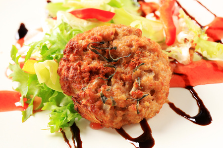 drizzle: Vegetable burgers with balsamic vinegar sauce