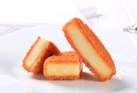 gronostaj: Kawałki sera smażonego głębokiej Zdjęcie Seryjne