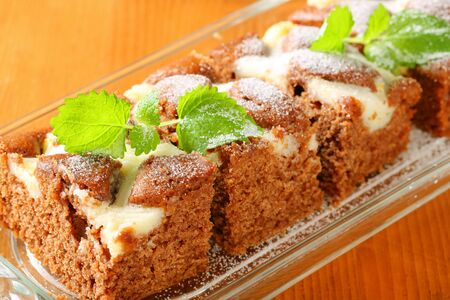 gingerbread cake: Soft gingerbread cake with cream cheese