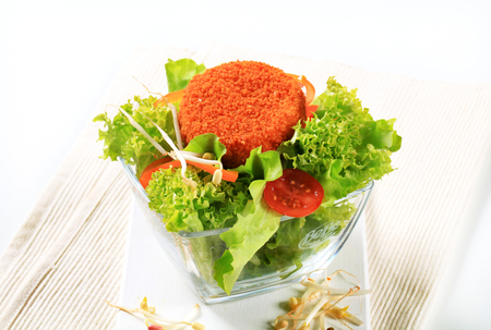 gronostaj: Green salad with fried breaded cheese