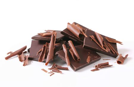 chocolate pieces: Dark chocolate pieces and shavings