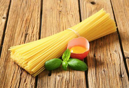 bundle: Bundle of spaghetti and raw egg
