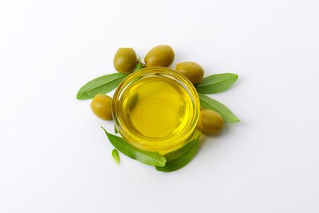 Olive oil in glass bowl Banco de Imagens