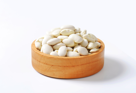 lima beans white beans: Bowl of raw Lima beans