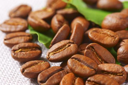 the medium: Medium roasted Arabica coffee beans