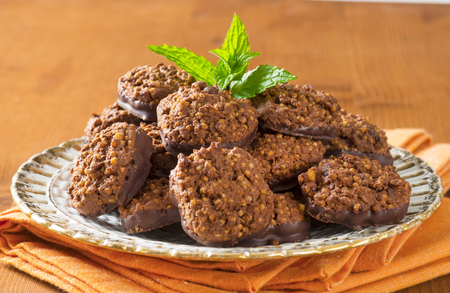 oatmeal cookie: No bake chocolate cookies with quinoa crispies Stock Photo