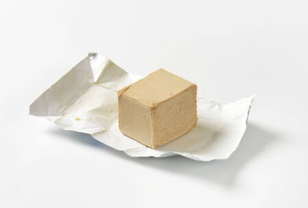 compressed: Block of compressed fresh yeast