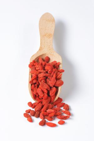 barbarum: Scoop of dried goji berries