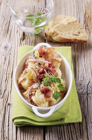 ensalada de verduras: Ensalada de patata con tocino mostaza