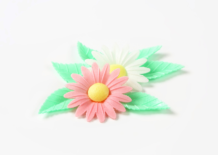 edible leaves: edible wafter paper daisy flower with leaves