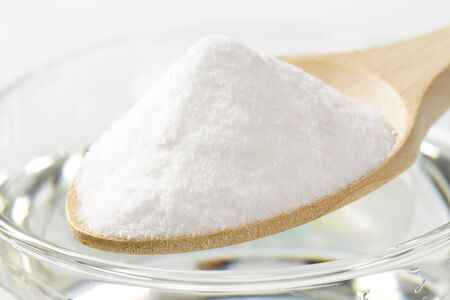 bread soda: spoon of baking soda and glass of water