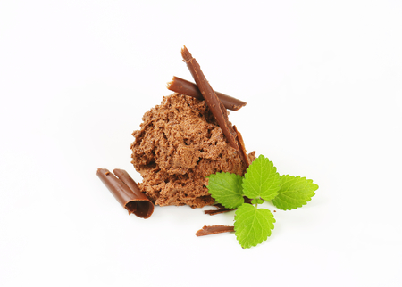 chocolate shavings: Mousse au chocolat with chocolate shavings