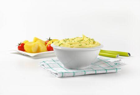 cebolleta: plato de puré de papas con cebolletas Foto de archivo