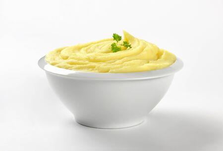 purè di patate in una ciotola bianca Archivio Fotografico