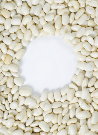 white beans: raw white beans and empty circle in the middle
