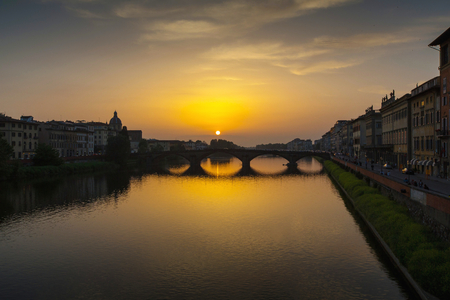 ponte vecchio: Arno River and Ponte Vecchio, Florence, Italy Stock Photo