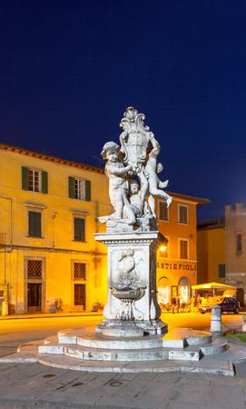 angels fountain: La Fontana dei putti Statue (The Fountain with Angels) at night, Campo dei Miracoli, Pisa, Italy, Europe Editorial