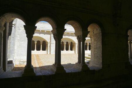 arcades: italian ancient arcades