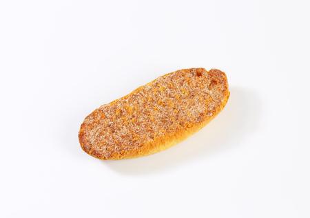 melba: Crisp Melba toast with cinnamon