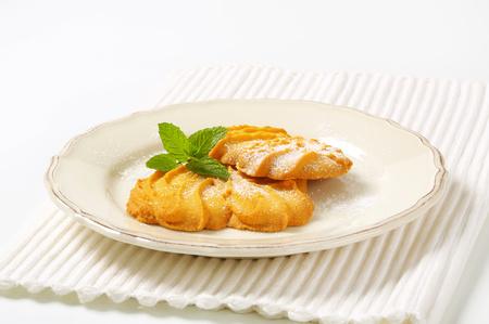 Spritz butter cookies on plate Reklamní fotografie - 115160239