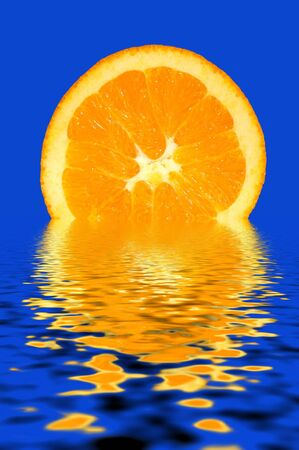 Fresh Orange Slice on the Water Stock Photo - 833151