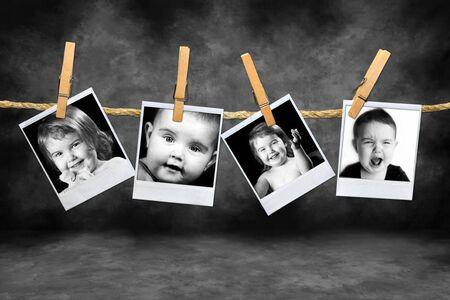그런지 얼룩덜룩 한 배경에 대해 많은 표현을 가진 유아 사진
