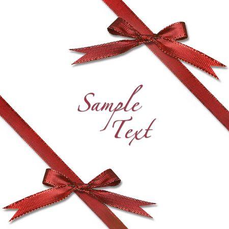 Envuelto rojo regalo de Navidad con arcos en el fondo blanco Foto de archivo - 3947381
