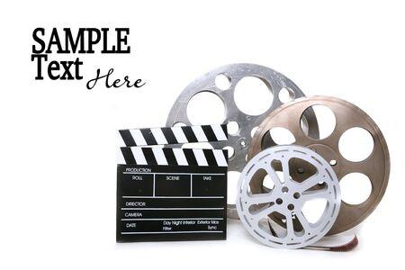 Movie Production Film vaten Met directeuren duig op witte achtergrond en kopiëren Space Stockfoto
