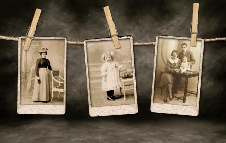 Drei Authentic Vintage Photographs Familie am Seil hängend Mit Wäscheklammern Standard-Bild - 5530675