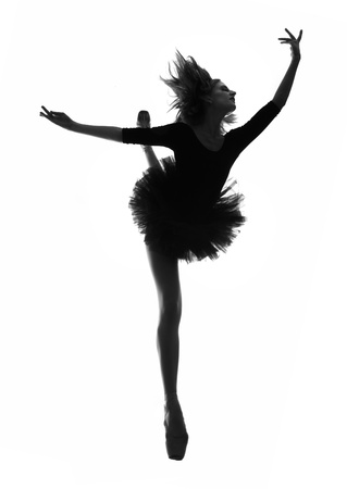 pointe: Ballerina Woman in Studio