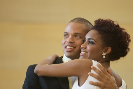 visage femme africaine: Africaine mari�e et le mari� am�ricain jour de leur mariage Banque d'images