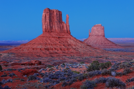 Monument Valley Landscape Before Sunrise Stock Photo - 15157651