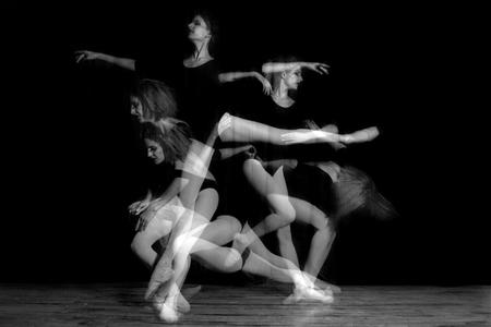 multiple exposure: Spettrale Immagine Esposizione multipla di Ballerina Dancer Archivio Fotografico
