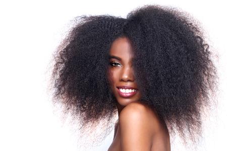 černé vlasy: Krásné Ohromující Portrét africké americké černé žena s velkým vlasy