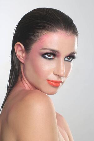 labios sensuales: Mujer Hermosa Con limpio y perfecto Maquillaje